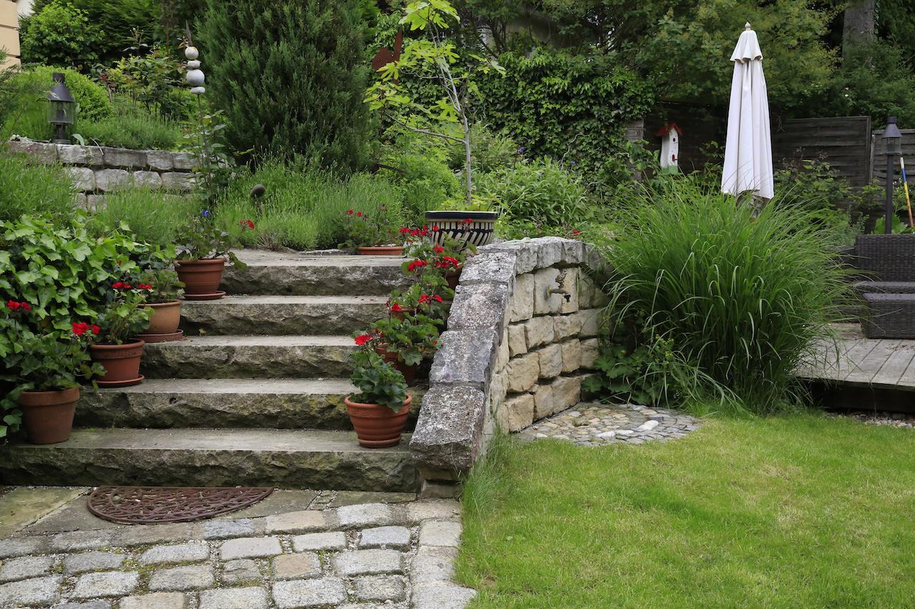 Jardin En Pente Comment Faire comment optimiser l'aménagement d'un jardin en dénivelé